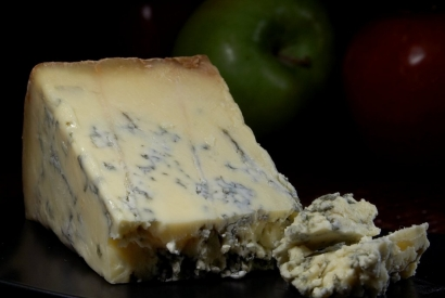 Association de fromages : Stilton, pain au miel et noisettes, Porto Ruby